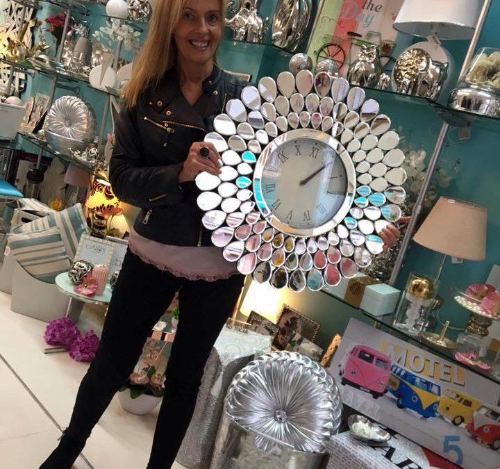 relojes que decoran y dan la hora
