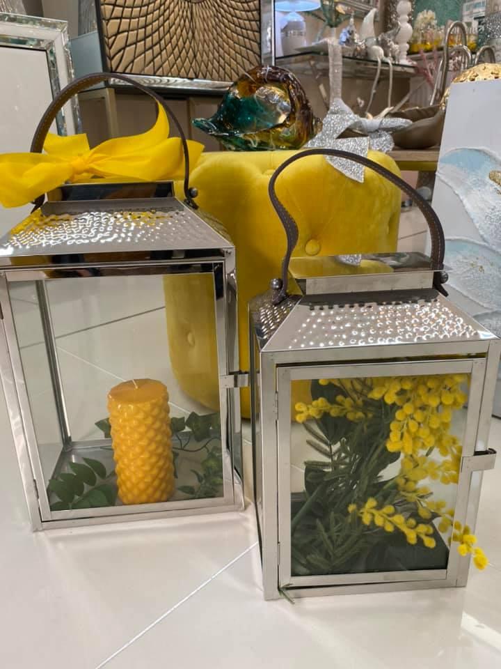 decorando con color amarillo