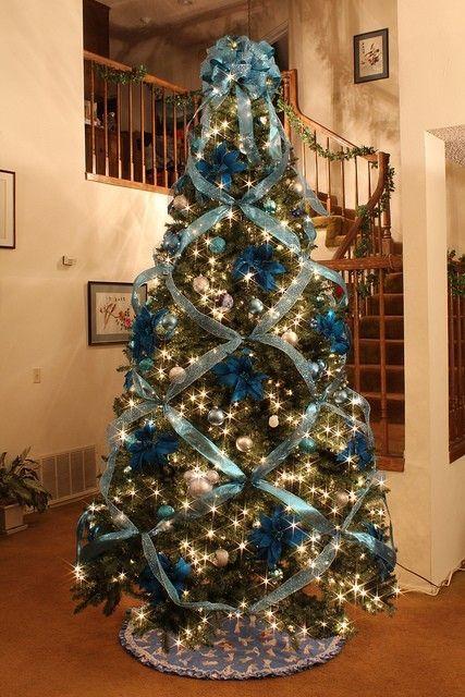 este rbol de navidad en blanco luci el ao pasado con la decoracin en turquesa