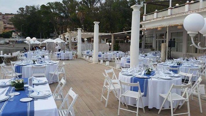 decoracion de una boda estilo marinero naútico azul